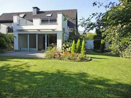 Modernes Haus zur Miete, direkte Stadtwaldlage!!!