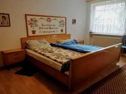 Helle und gemütliche 2 Zimmer Wohnung mit 2 Balkonen