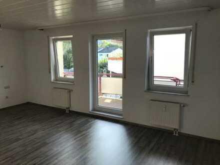 Schöne, helle, 1-Zimmer-Whg. mit Balkon in Weinsberg