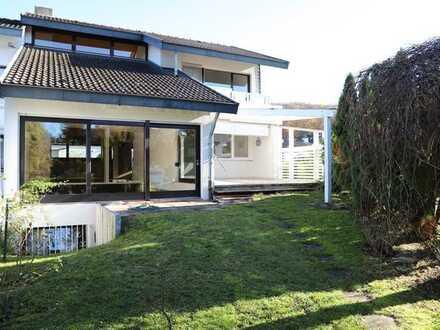 Schönes, geräumiges Haus mit sieben Zimmern in Breisgau-Hochschwarzwald (Kreis), Gundelfingen
