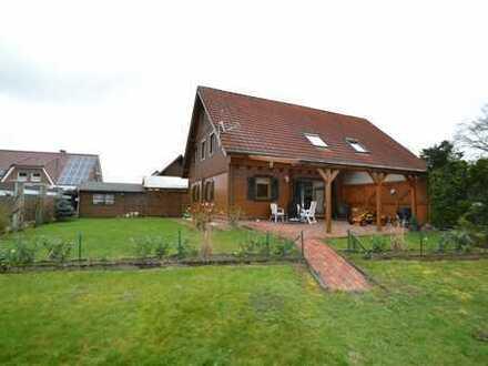 Blockbohlenhaus/ Doppelhaushälfte aus 1995 auf großem Eigentumsgrundstück 852 m2