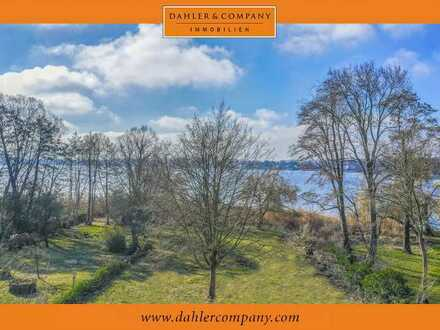 Unique - property on the waterfront of the Havel on the island of Werder