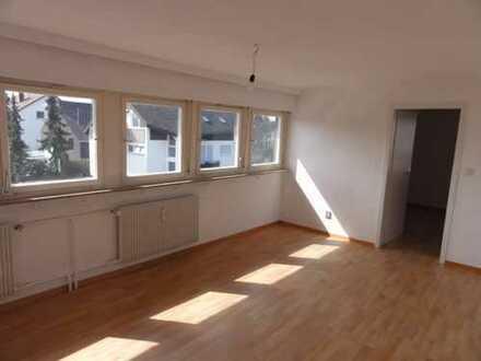 Freundliche 2-Zimmer Single-Dachgeschosswohnung in S-Möhringen