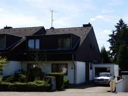 Einfamilienhaus mit separater Einliegerwohnung und Zugang am Objekt