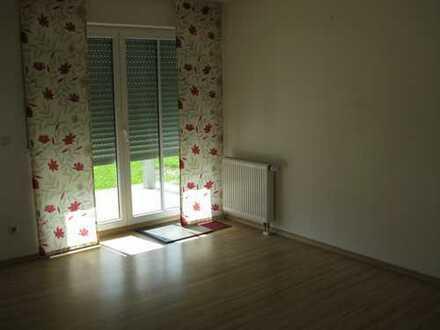 Helle, zentral gelegene 4-Zimmer-EG-Wohnung mit Terrasse und Einbauküche in Pfaffenhofen a. d. Ilm