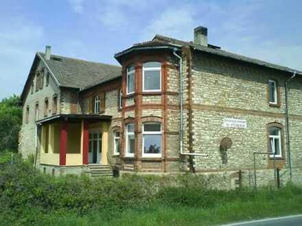 1,5 -Zimmer-Altbauwohnung mit Kaminofen und Hochbett in Gröningen