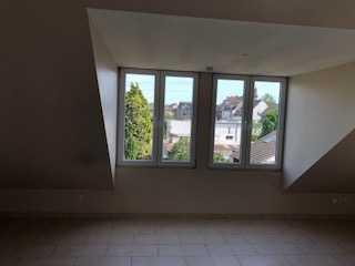 Schöne zwei Zimmer Wohnung in Rhein-Erft-Kreis, Hürth