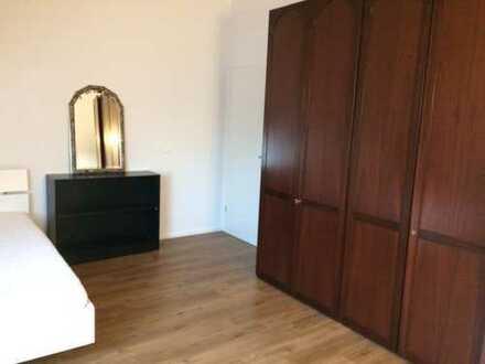 Schöne, geräumige ein Zimmer Wohnung in München-Ludwigsfeld