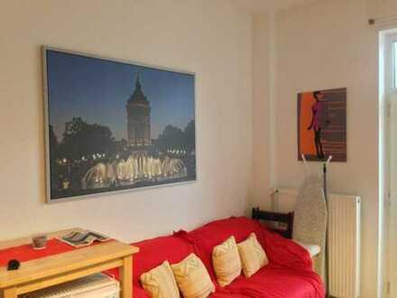 Riesiges möbliertes Zimmer in 2er WG in saniertem Altbau im Herzen Mannheims (S Quadrate)