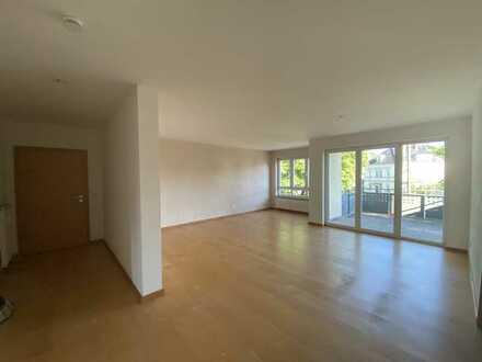 Stilvolle, gepflegte 3,5-Zimmer-Wohnung mit Balkon und EBK in Kirchheim unter Teck (max. 3 Personen)