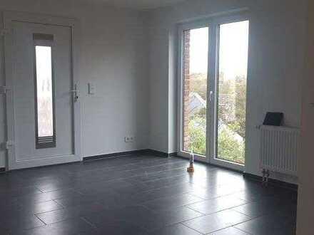 Von Grund auf sanierte Dreizimmerwohnung mit Balkon in Bocklemünd