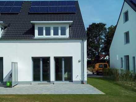 Elegante Doppelhaushälfte mit schönem Garten und super niedrigen Heizkosten