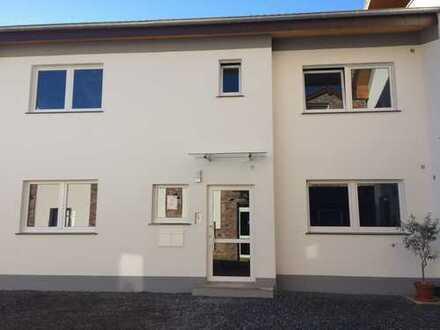 Erstbezug mit Dachterrasse : ruhige, großzügige 2-Zimmer-Wohnung in Würselen, Nähe Wurmtal,