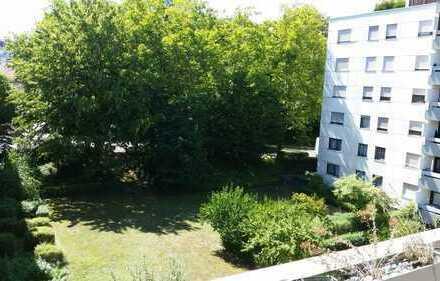 Penthouse-WG Waiblingen: Möbliert, Balkon, Putzservice,Schwimmbad