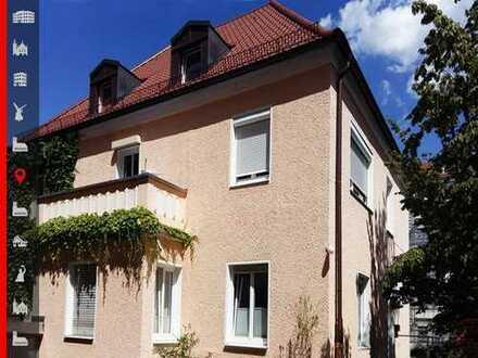 Charmante 3-Zimmer-Dachwohnung im Rückgebäude Nähe Hohenzollernplatz