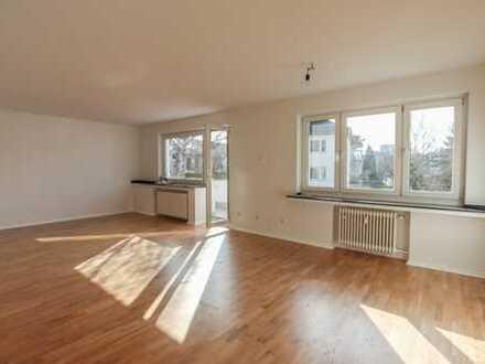 REUTER IMMOBILIEN Lichtduchflutete Zweizimmerwohnung mit Sonnenbalkon in schöner Lage Lindenthal