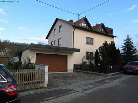 sehr gepflegtes Einfamilienhaus mit Einliegerwohnung in Derching