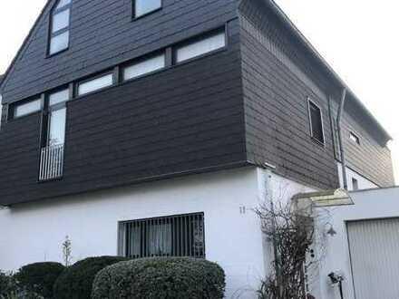 Mehrgenerationenhaus freistehend mit freiem Blick ins Grüne in Düsseldorf-Lohausen/Kaiserswerth