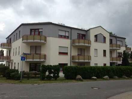 Schöne 2-Zimmer-Wohnung mit Balkon und Tiefgaragenstellplatz zu vermieten!
