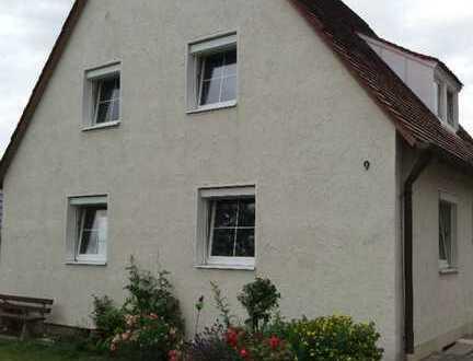 Schöne helle drei Zimmer Wohnung (DG) in Buchloe