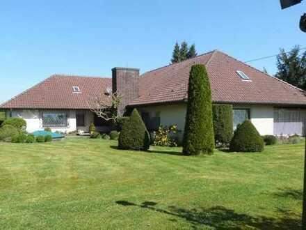 ENGEL & VÖLKERS: Preisreduzierung! Traditionelle Villa auf traumhaften Grundstück in Bestlage!