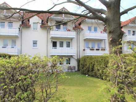 *** großzügig geschnittene 3,5 Zi. Terrassenwohnung m. großen Garten & Stellplatz in grüner Lage ***
