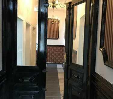 Neu renovierte Büro-/Praxisräume, Luxus Ausstattung, Stuck, Zahlreiche Nutzungsmöglichkeiten.