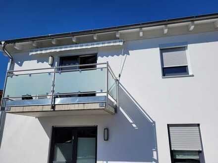 Helle 3-Zimmer-Wohnung mit Einbauküche und Badmöblierung in Paunzhausen zu vermieten
