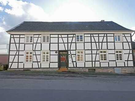 Liebhaberobjekt in Stiepel Dorf