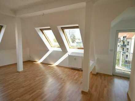 Schön Wohnen im Dachgeschoss!!