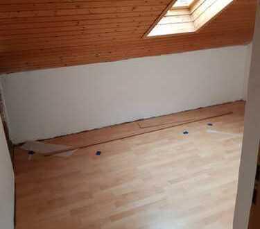 Exklusive, sanierte 3-Zimmer-Öko Wohnung mit Balkon in Zell u.A.
