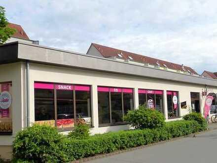Renditestarke Gewerbeflächen (2 Verkaufsgeschäfte) mit großer Schaufensterfront in Innenstadtlage