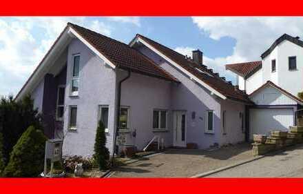 Gepflegtes Einfamilienhaus mit Einliegerwohnung in Bestlage