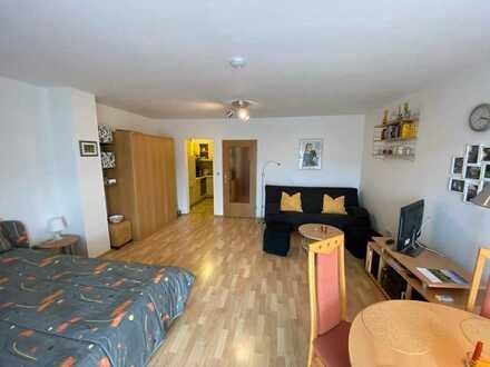 Möblierte, gepflegte 1-Zimmer-Wohnung mit Balkon und Einbauküche in Bad Griesbach im Rottal