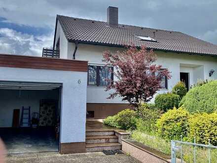 * Gutes Haus mit schönem Garten mit Garage in bester Lage *