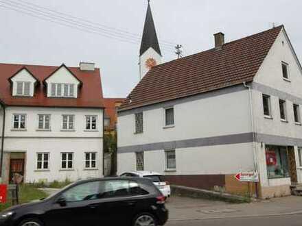 Bestandsimmobilie mit zwei bebaubaren Grundstücken für den Entwickler