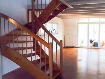 Praktisch aufgeteilte, schöne 2,5 Zimmerwohnung mit Wintergarten
