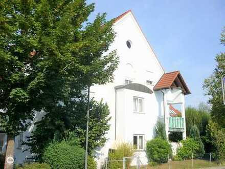 *Wohnung mit Weitblick*  Überzeugende helle Dachgeschosswohnung mit Loggia und Tiefgarage