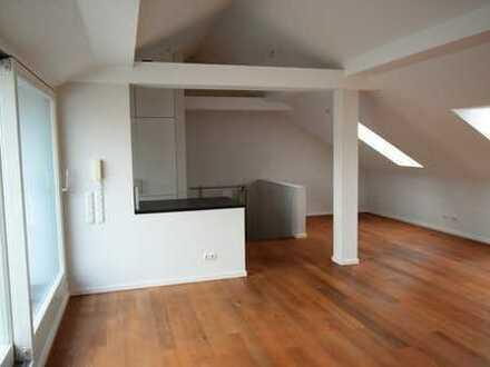Großzügig geschnittene Maisonette Wohnung mit 4 Zimmern und Terasse