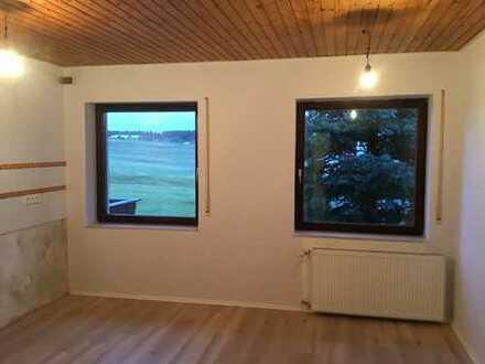 Gepflegte Wohnung mit vier Zimmern und Balkon in Grasellenbach(Reserviert)
