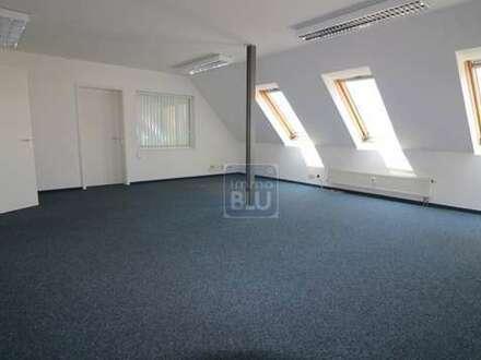 zentraler Wohntraum: variabler Grundriss- & Nutzung, 2 Stellplätze
