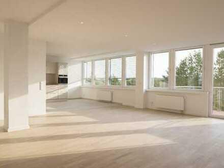 Großzügige 4-Zimmerwohnung mit Balkon, Erstbezug