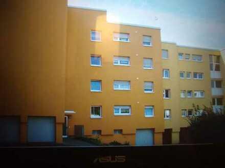 Neu renovierte 94,0 m² Dachgeschosswohnung im Penthousestil mit schöner Aussicht auf Weinberge und