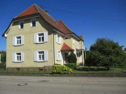 Büroetage mit 3 Büros in einer Landvilla, Einbauküche, Balkon und Gartenmitbenutzung in Engelswies