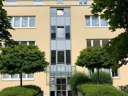 Zum sofortigen Eigenbezug! Moderne und helle 3-Zimmer mit Balkon sowie Bad mit Fenster