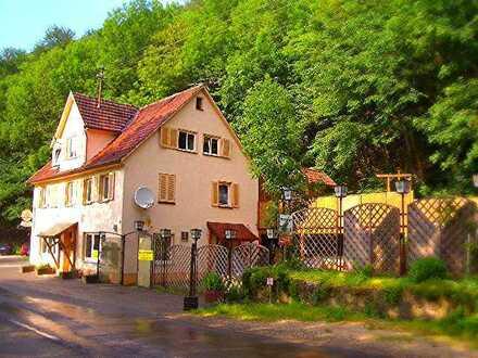 3 Zimmer Dachgeschosswohnung in Bad Urach zu vermieten