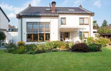 """Essen-Burgaltendorf, Top Wohnlage"""" Sehr schönes """" Haus im Haus """" mit wunderschönen Garten"""