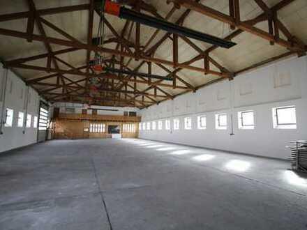 ++ Lagerhalle mit Büro und Sozailräume an der A94