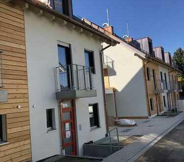 Sehr schöne Doppelhaushälfte - Erstbezug eines Neubaus in Untermenzing