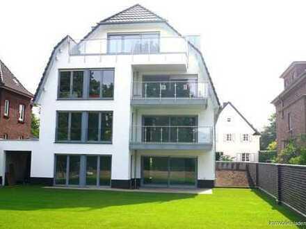 Moers Schloss-Park ; Traumwohnung in bester Wohnlage mit großer Terrasse und Garten!